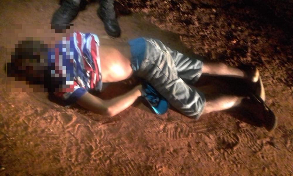 Homem morre na hora após ser alvejado com três tiros no Jardim Petrópolis