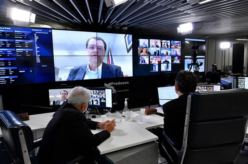 Por meio de requerimento do senador Eduardo Braga (foto), os senadores aprovaram prioridade para votação da MP original do Poder Executivo, ao invés do relatório do senador Roberto Rocha