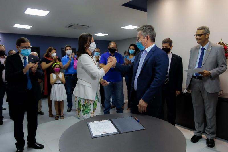 Governador Mauro Mendes empossa secretária de Comunicação Laice Souza - Foto por: Marcos Vergueiro/Secom-MT