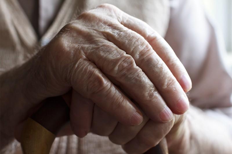 Com 20 mil apoio no e-Cidadania, a ideia legislativa que beneficia os idosos passa à condição de Sugestão Legislativa e será analisada pela Comissão de Direitos Humanos e Legislação Participativa - Depositphotos