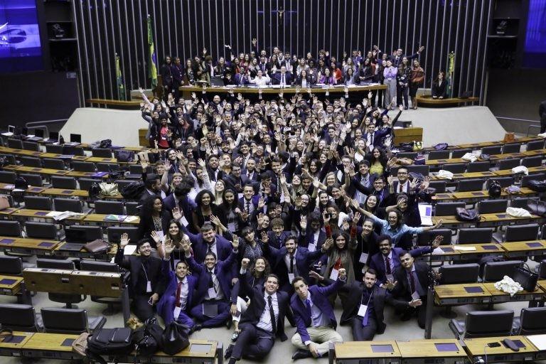 Jovens que participaram do projeto Politeia 2019 - (Foto: Najara Araújo/Câmara dos Deputados)