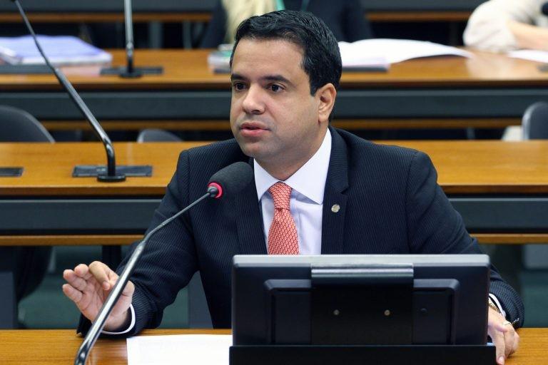 Edilázio Júnior: teste pode indicar a necessidade de reforço para pacientes de risco - (Foto: Vinicius Loures/Câmara dos Deputados)