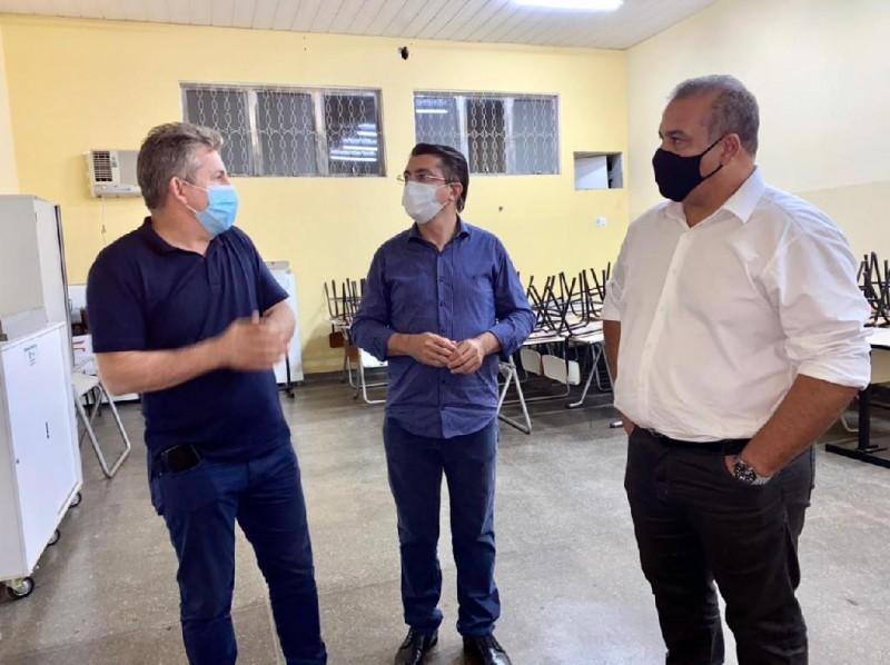 Governador Mauro Mendes e o secretário da Seciteci, Nilton Borgato visitam as instalações da ETE de Barra do Garças - Foto por: Camila Paulino