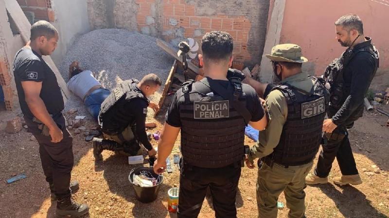 Quatro são presos com drone apreendido na PCE - Foto por: Assessoria
