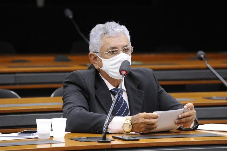 Bosco Costa: a leitura de jornais online tem sido condicionada ao pagamento de assinatura - (Foto: Gustavo Sales/Câmara dos Deputados)