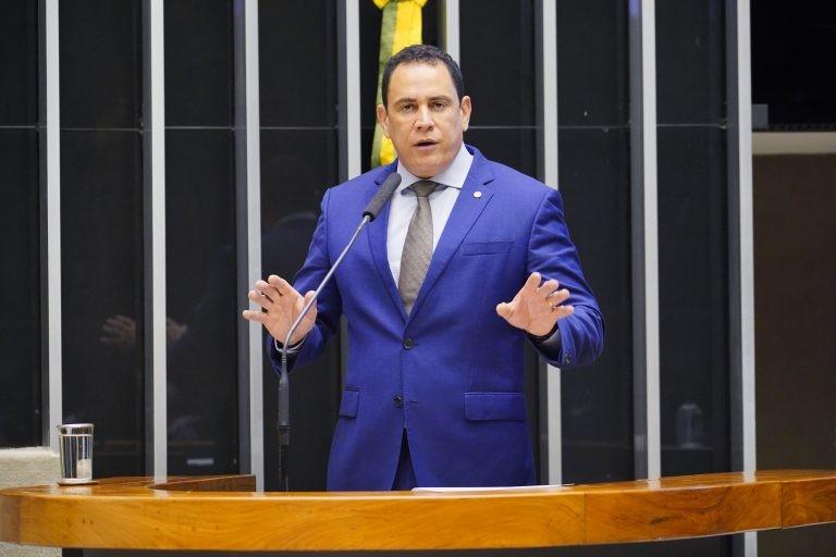 Da Vitoria: pandemia exige cuidados constantes - (Foto: Pablo Valadares/Câmara dos Deputados)