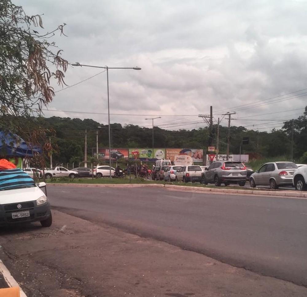 Acidente ocorreu na rotatória da Estrada do Moinho, em Cuiabá — Foto: Divulgação