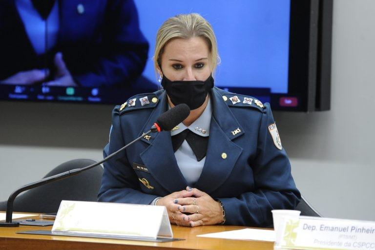 Major Fabiana recomendou a aprovação da proposta, com alterações - (Foto: Gustavo Sales/Câmara dos Deputados)