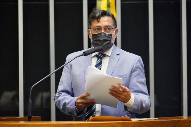 Para Eduardo Barbosa, o projeto é oportuno e conveniente - (Foto: Pablo Valadares/Câmara dos Deputados)