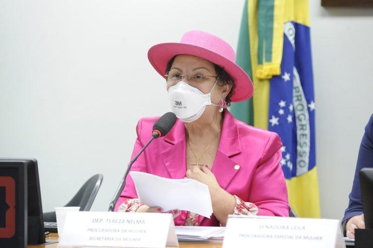 Tereza Nelma: câncer de mama mata anualmente cerca de 14 mil mulheres - (Foto: Gustavo Sales/Câmara dos Deputados)