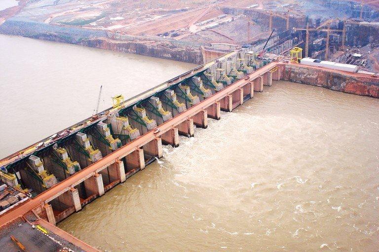 Usina Hidrelétrica Santo Antônio, no Rio Madeira - (Foto: Agência Brasil)