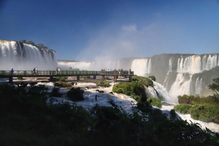 Cataratas do Iguaçu destacam-se entre os destinos turísticos no Brasil - (Foto: José Fernando Ogura/AEN)