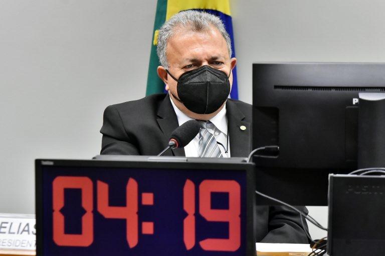 Elias Vaz: modelo atual de venda de etanol aos postos favorece monopólio - (Foto: Gustavo Sales/Câmara dos Deputados)