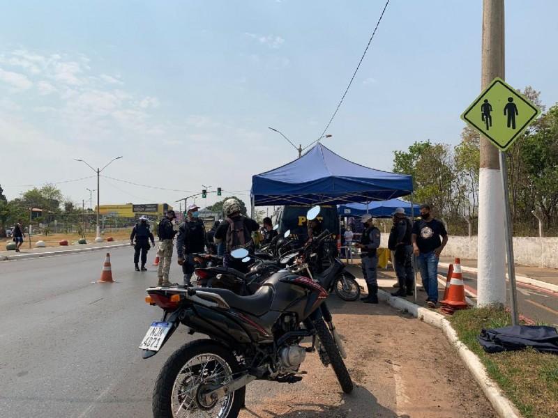 Ação educativa com motociclistas - Foto por: Lidiana Cuiabano/Detran-MT