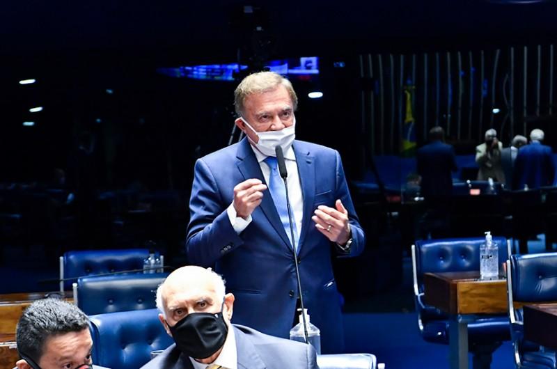Senador Álvaro Dias (Podemos-PR) disse que essa medida evitaria a interrupção do fornecimento desses produtos, necessários ao tratamento do câncer, pela falta de recursos das instituições públicas que os produzem