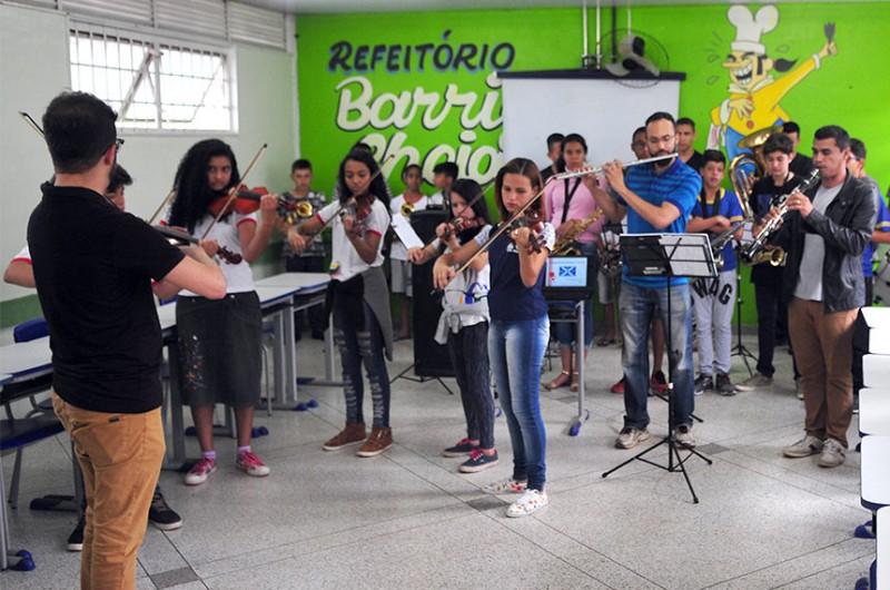 Pela proposta do senador Fernando Collor (Pros-AL), estudantes de baixa renda poderão receber bolsa para estudar música por um ano (foto anterior à pandemia de covid-19) - Gabriel Jabur/Agência Brasília