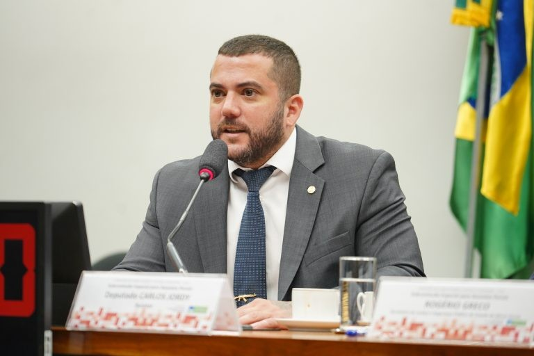 """Jordy: relatório sintetiza """"desejos da sociedade que ainda não foram materializados"""" - (Foto: Pablo Valadares/Câmara dos Deputados)"""