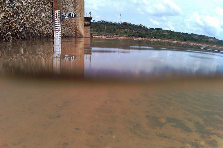 Reservatório do Descoberto (DF) com água abaixo do nível normal, em 2017 - (Foto: Andre Borges/Agência Brasília)