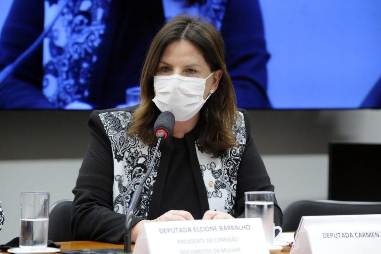 Carmen Zanotto: adoção da terapia deve avaliar custos e existência de pessoal capacitado - (Foto: Gustavo Sales/Câmara dos Deputados)