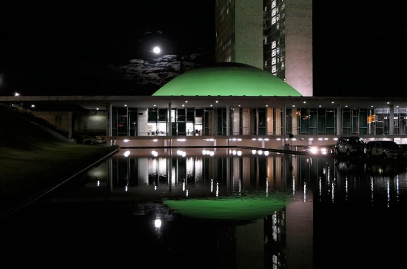 O Senado Federal ficará iluminado de verde, desta sexta-feira (24) até quarta-feira (29) - Roque de Sá/Agência Senado