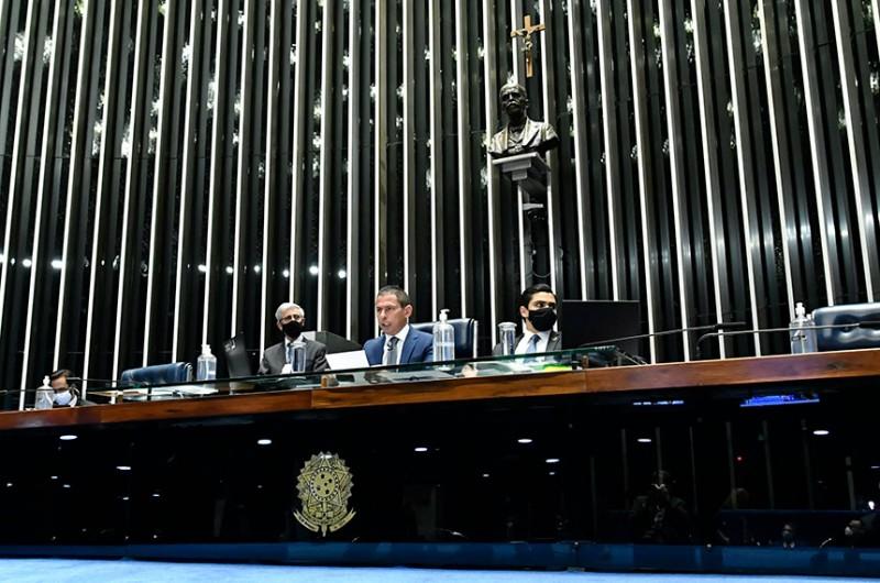 A sessão desta segunda-feira foi conduzida pelo deputado federal Marcelo Ramos - Waldemir Barreto/Agência Senado
