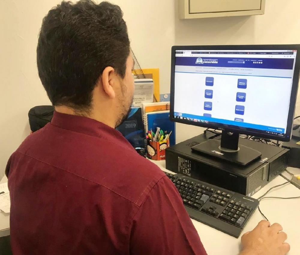 O curso é online e ofertado a 6.739 professores cadastrados - Foto por: Seduc-MT