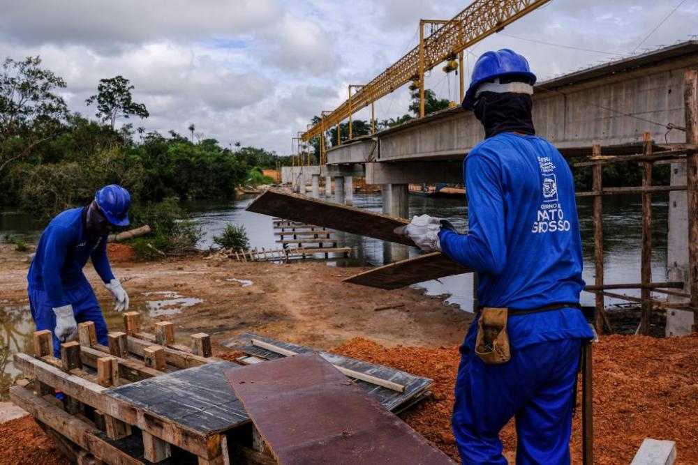 Governo constrói 10 pontes de concreto no Vale do Araguaia