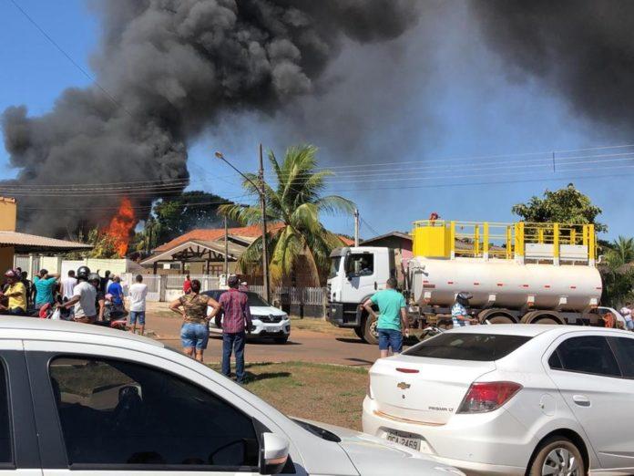 Idoso tem casa incendiada e morre no quintal ao tentar escapar em Mato Grosso