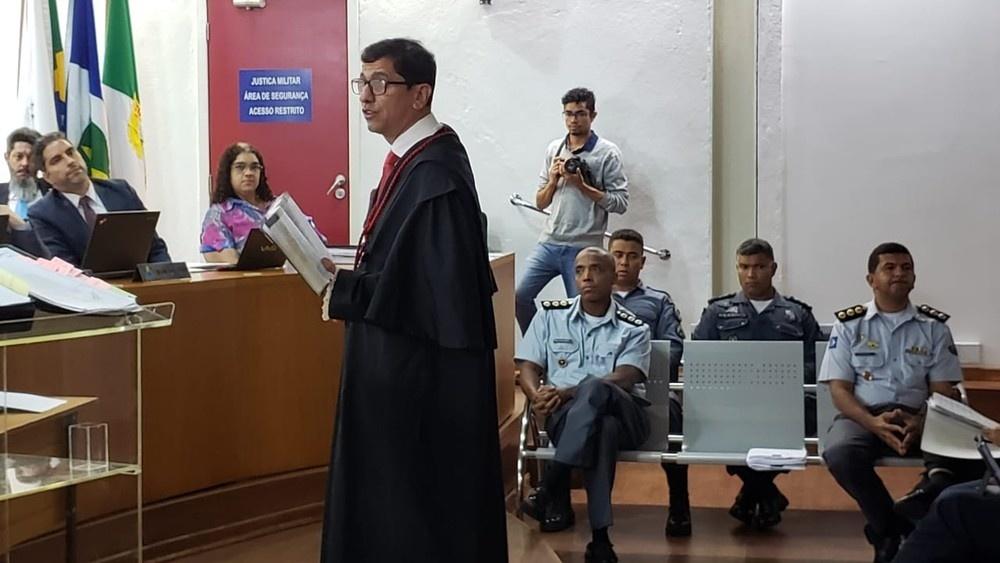 Promotor criticou esquema de grampos — Foto: Ianara Garcia/ TVCA